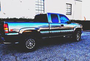 $1,2OO I'm selling urgentl 2OO1 Chevrolet Silverado. for Sale in Spring Grove, PA