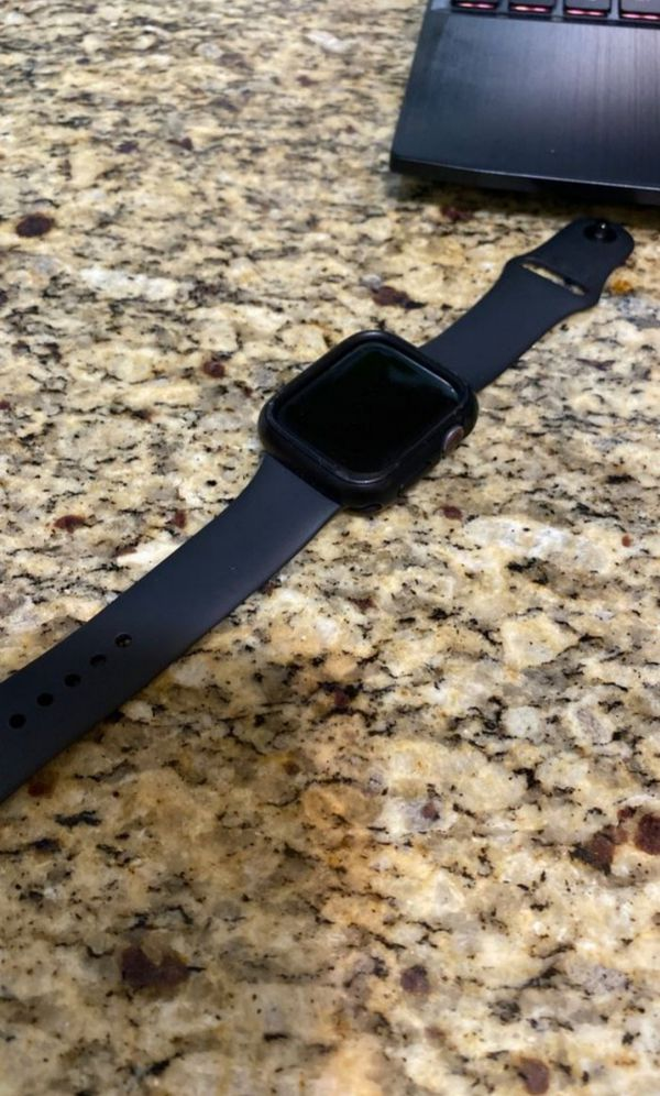 Apple watch series 4 GPS n lte