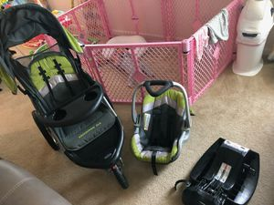 Baby trend expedition travel system stroller and car seat. for Sale in Piedmont, SC