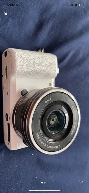 Sony Alpha 5100 for Sale in Queens, NY