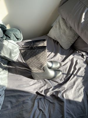 Women's Michael kors rain boots for Sale in Columbus, OH