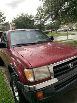 Toyota Tacoma sr5 4x4 for Sale in Houston, TX