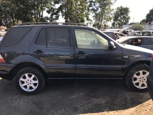 2000 Mercedes ML320 for parts only. for Sale in Salida, CA