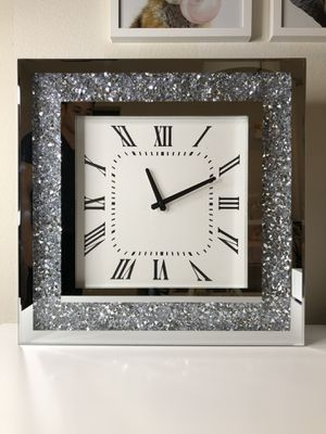 Contemporary Wall Clock Mirrored Edge & Acrylic Crystals for Sale in Yorba Linda, CA