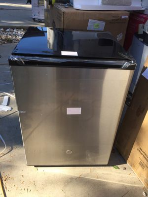 Frigidaire insignia Mini Fridge Stainless steel different sizes for Sale in Los Angeles, CA