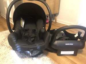 Maxi Cosi car seat and base for Sale in Orlando, FL
