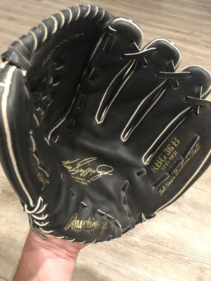 "Clean Rawlings 12.5"" Black Baseball Glove Mitt Ken Griffey Jr RH Thrower for Sale in Tracy, CA"