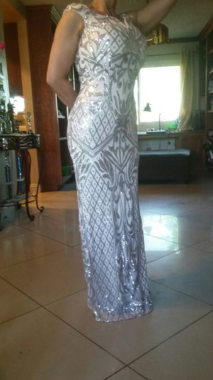 New windsome dress SIZE SMALL for Sale in Riverside, CA