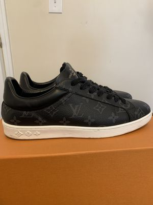 Louis Vuitton LV sneakers for Sale in Queens, NY