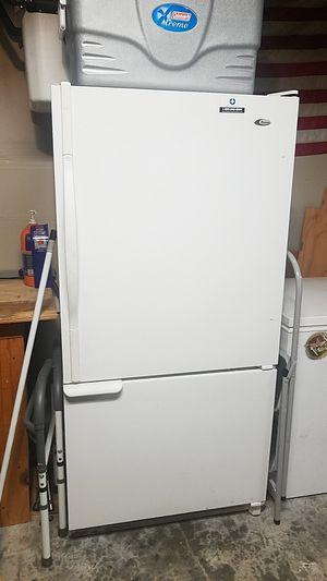 Amama refridgerator/freezer for Sale in Bonney Lake, WA