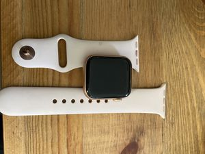 Apple watch series 4 for Sale in Los Angeles, CA