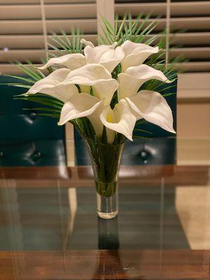 Faux Lily Flower Arrangement for Sale in Clovis, CA