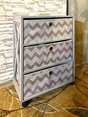 3 Drawer Dresser for Sale in Hanover, MD