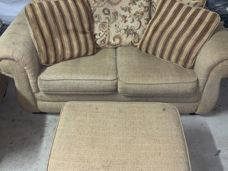 FREE Couch for Sale in Vallejo,  CA