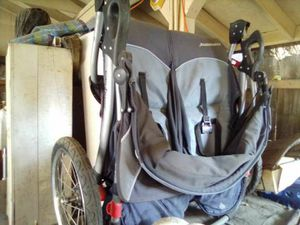 Double jogger stroller for Sale in Dinuba, CA