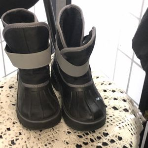 Boys Insulated Snow Boots for Sale in Baldwin Park, CA