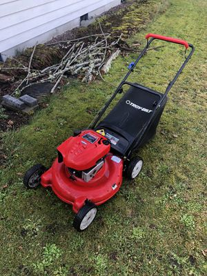 6.5 hp mulching push lawn mower with bag for Sale in Spanaway, WA