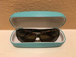Kate Spade Sunglasses and Case for Sale in Houston, TX