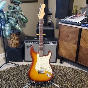 Fender American Deluxe Stratocaster - MINT! for Sale in Surprise, AZ