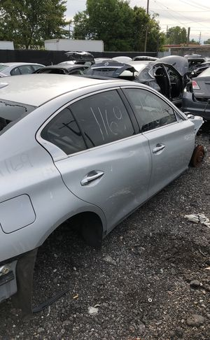 Selling parts for a silver Infiniti for Sale in Warren, MI