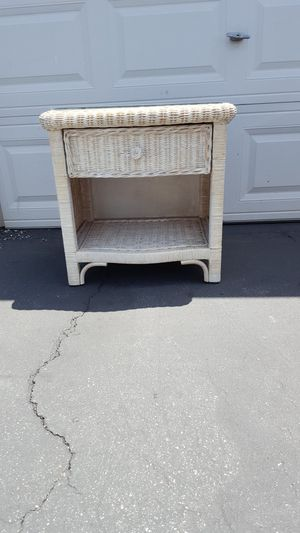 White rattan side drawer with glass for Sale in Anaheim, CA