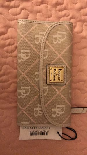 Dooney & Bourke Ladies Wallet for Sale in Baytown, TX