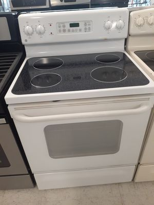 Ge electric stove used in good condition with 90 day's warranty for Sale in Mount Rainier, MD