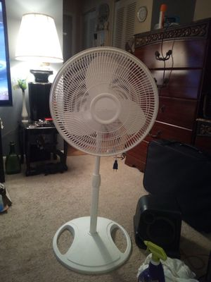 Low use super clean white standing fan made by lasko for Sale in Rochester, NY