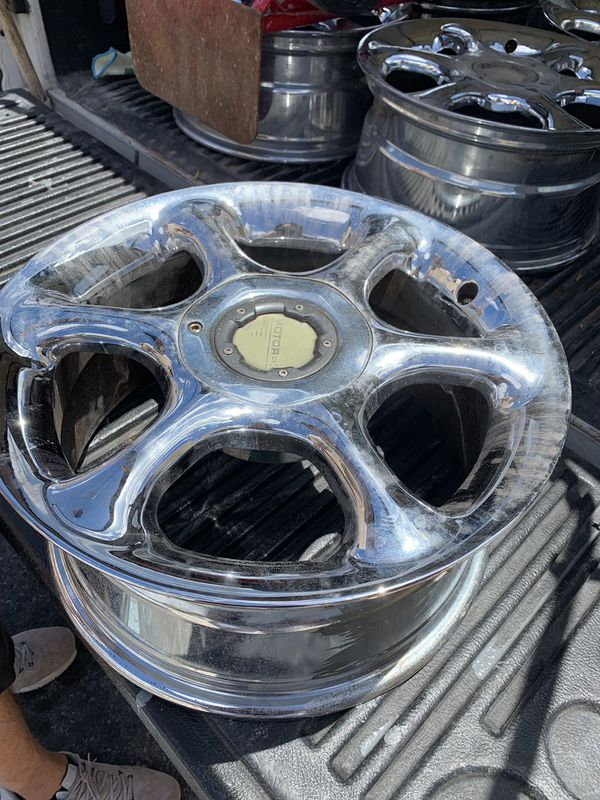 Set of 2 chrome rims