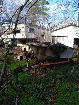 Boat and camper for Sale in Dallas, TX