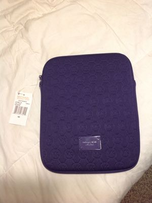 Michael Kors iPad Tablet Case sleeve Purple NWT measures 10x7.5 for Sale in Federal Way, WA