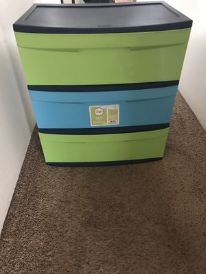 Sterilite plastic chest of drawers/Dresser for Sale in San Diego, CA