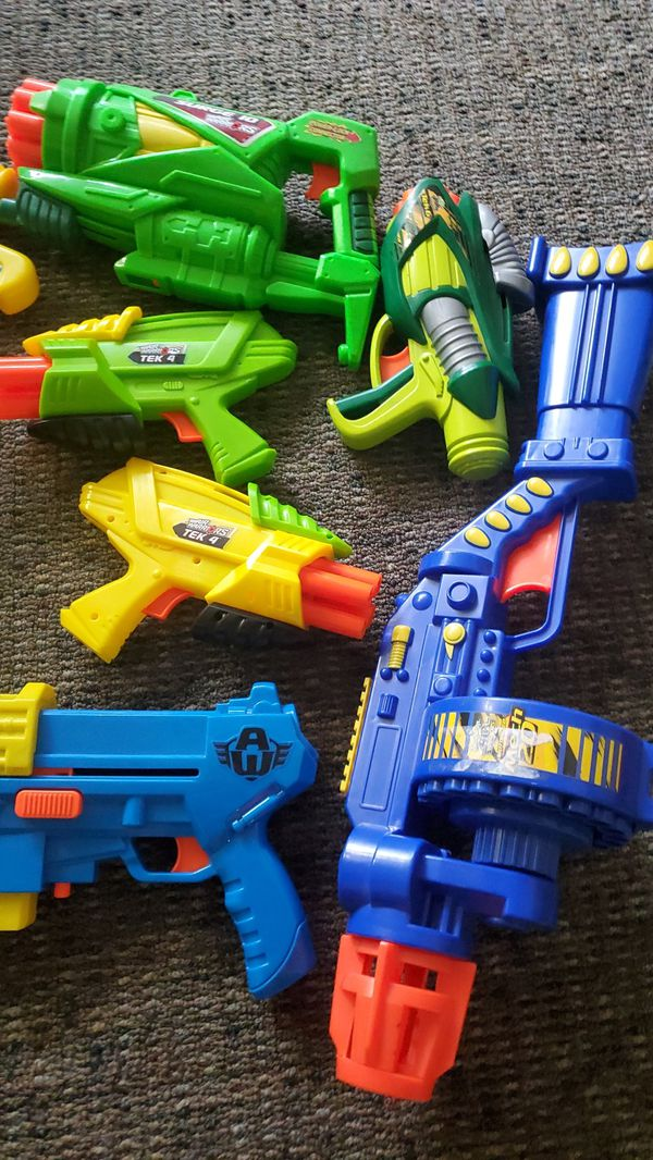 Bunch of nerf guns