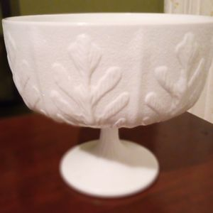 Vintage Milk Glass for Sale in West Columbia, SC