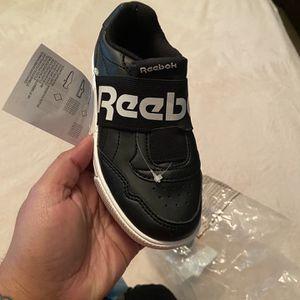 Zapato De Niños Size 10/2 Reebok for Sale in Miami, FL