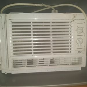 Arctic King Window AC Unit for Sale in Columbus, OH