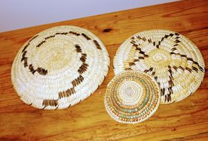 """3 Native American Baskets approx. 12"""", 10"""" & 4"""" for Sale in Pinetop-Lakeside, AZ"""
