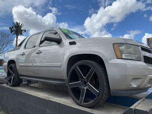2008 Chevy avalanche LTZ super clean 26in rims Financing available for Sale in Whittier, CA