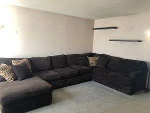 Sectional couch with chase lounge *pending pickup* on Thursday for Sale in Vancouver, WA