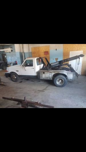1995 Ford F-350 tow truck *65000 miles for Sale in Dearborn, MI
