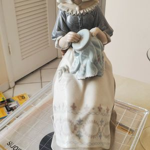 Lladro Embroidere for Sale in Delray Beach, FL