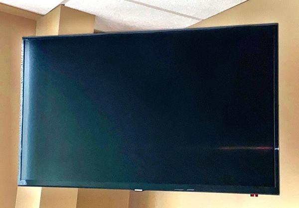 40 inch Samsung TVs