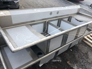 Brand new 3 compartment sinks 84 inch for Sale in Lauderhill, FL