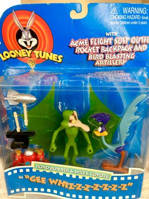 WB LOONEY TUNES 1997. (1) Wiley E Coyote and Road Runner. (2) Bugs Bunny and the Tasmanian Devil. for Sale in Lodi, CA
