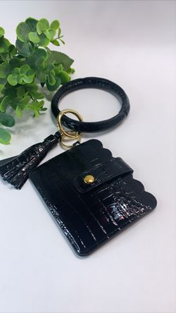 High Quality PU Leather Wristlet Keychain Wallet/Card Holder Big Circle, Black for Sale in Tustin,  CA