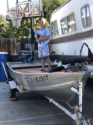 """Bass fishing 12"""" boat and trailer everything included. for Sale in Milpitas, CA"""