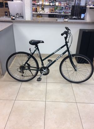 "Trek 800 Sport Mountain Track 20"" Frame 22"" Wheels Women's Bike for Sale in Boca Raton, FL"