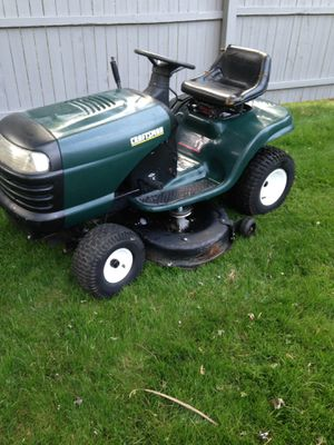 Riding lawn mower tractor craftsman for Sale in Bound Brook, NJ
