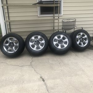 235/60R15 tire for Sale in Charleston, SC