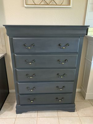 2 Newly Refurbished Charcoal Grey Gray Wood Dressers Chests Drawers for Sale in Richmond, TX